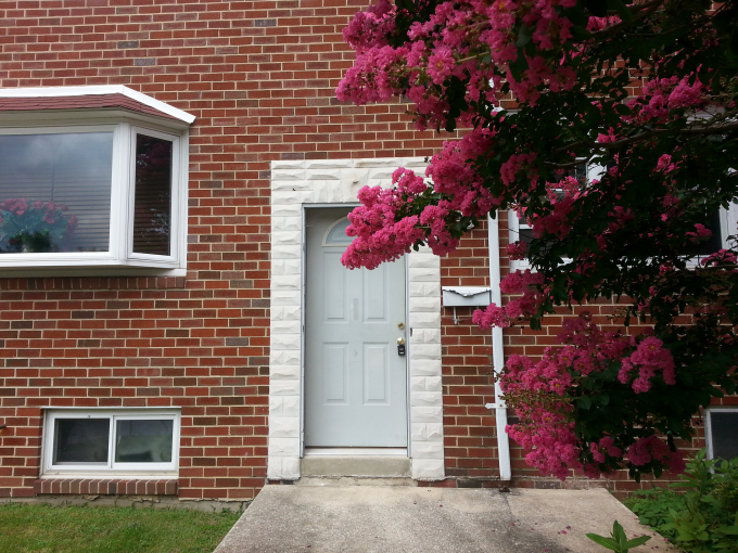 one room walking distance to UMBC for rent